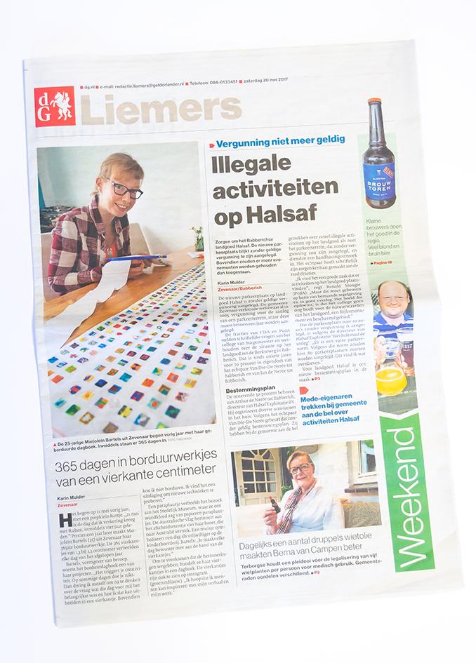 Marjolein Bartels in De Gelderlander, Liemers Editie, met haar afgeronde 365 embroidery challenge